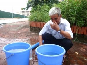 Nước sinh hoạt có mùi tanh, thối