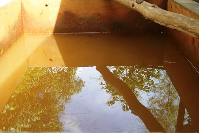 Kết quả hình ảnh cho nước bị nhiễm sắt