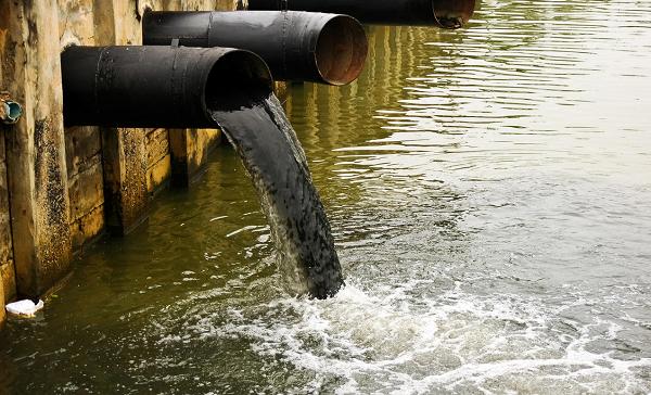 Ô nhiễm nước mặt