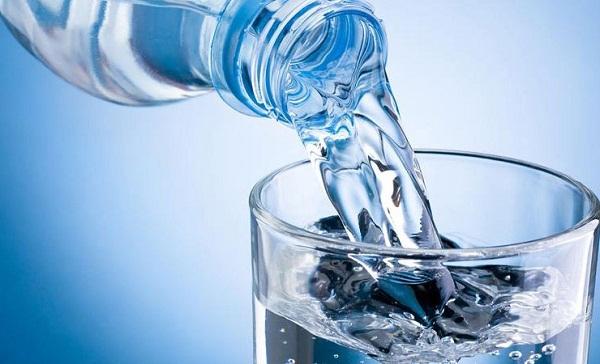 Uống nước tinh khiết trong thời gian dài